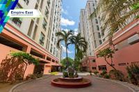 Condominium California Garden Square in Mandaluyong