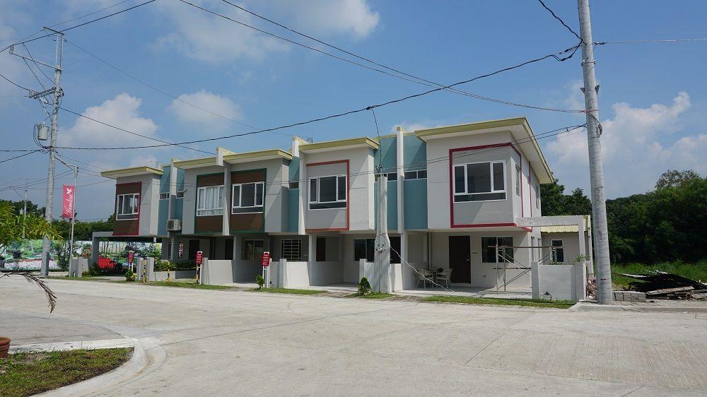 Townhouse Hamilton Executive Residences in Imus