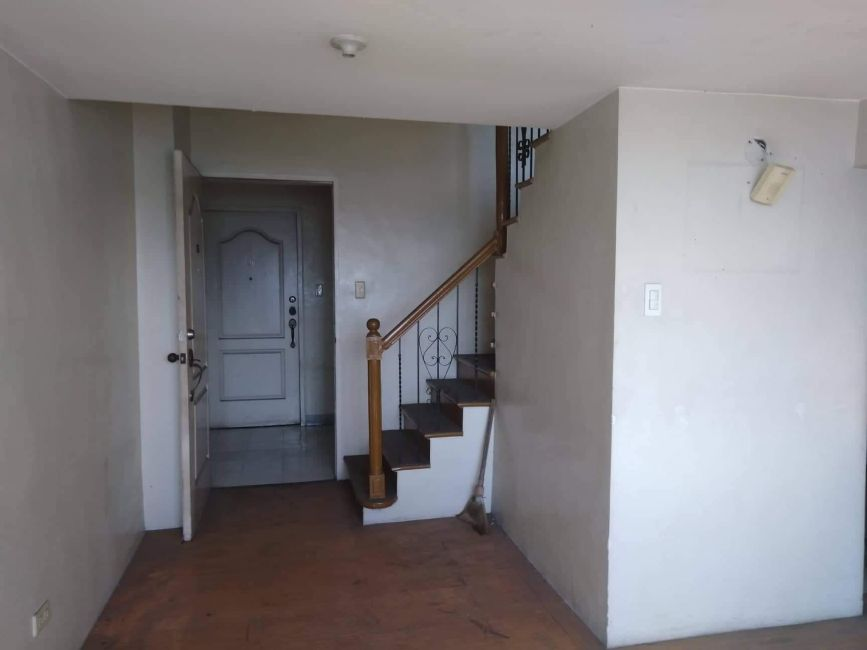 Condominium 2 Bedroom Unit (Loft) in Mandaluyong