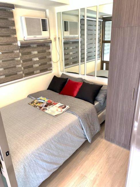 Condominium Pioneer Heights  in Mandaluyong