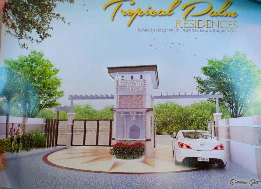 Townhouse Tropical Palm Residences in Antipolo