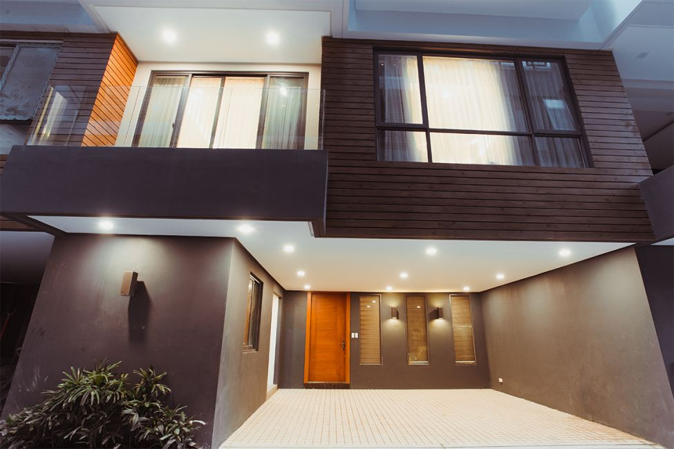 Townhouse Cuenco in Quezon City