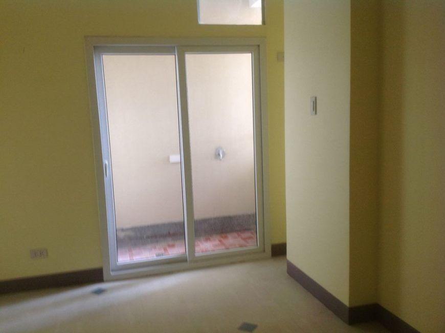Condominium 1 Bedroom Unit in Manila
